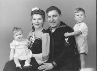 Bonny- Mary- Harry & David Horwitz in 1944- Chicago