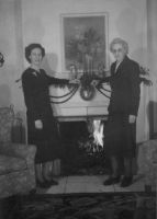 Dorothy Eva Penrose and her mother Eva Davis Penrose
